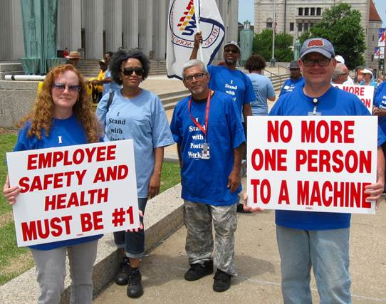 Fed Up with Understaffing, Saint Louis Local Pickets Post Office