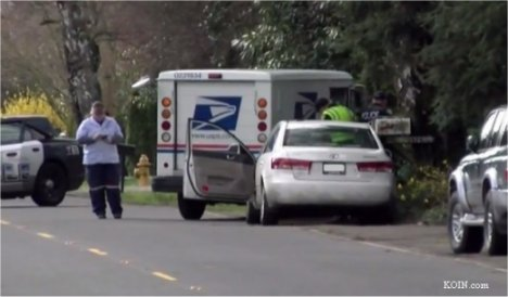 Video: Postal letter carrier delivers driver who hit woman to police